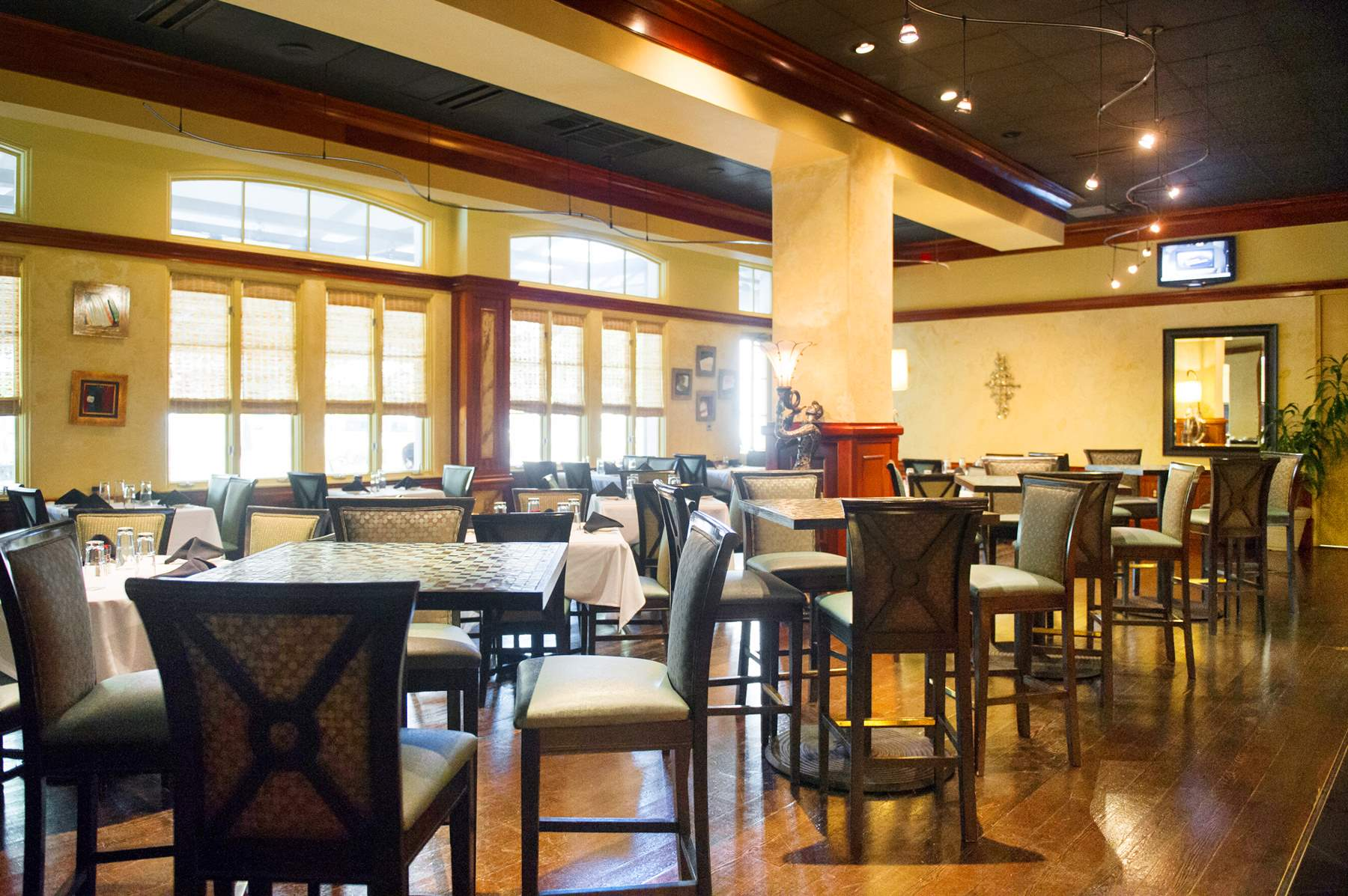 RiverRanch_Dining001
